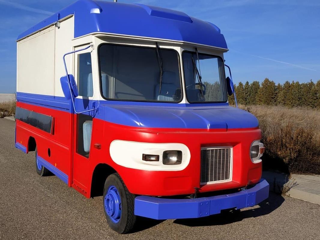 Daimler UPS 608