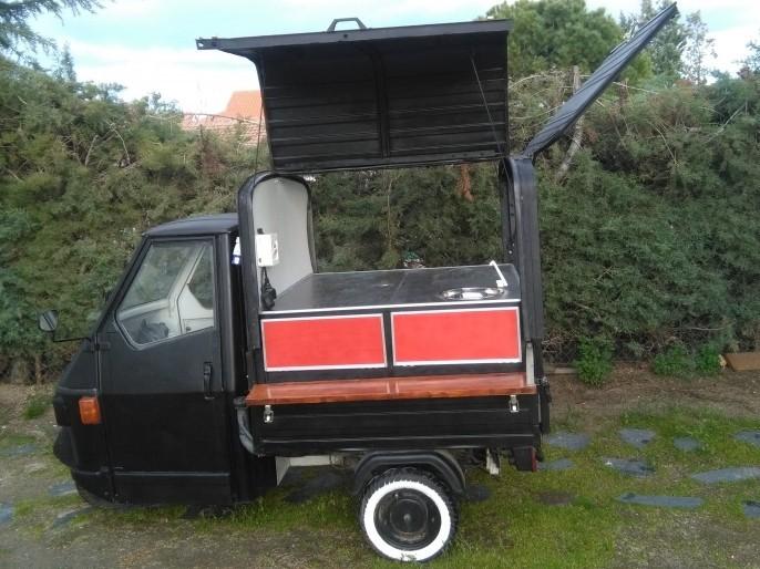 Piaggio Ape 50 food truck