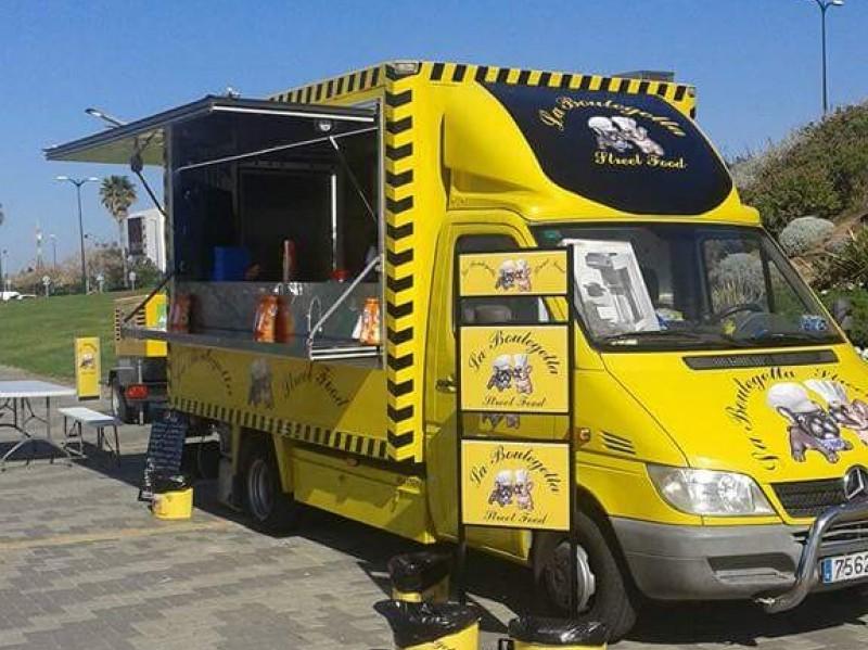 Food truck Mercedes