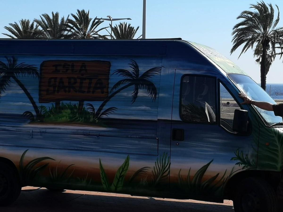Isla Sarita food truck
